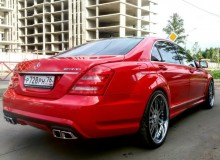 Полная оклейка Mercedes-Benz s63 amg в красный глянец Avery. #AUTOVINIL76RU
