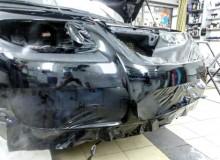 Полная оклейка Volkswagen Touareg в черный глянец kpmf. Так же тонировка всей оптики, оклейка всего хрома и серых вставок в салоне... #AUTOVINIL76RU