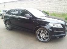 Накладки на двери, арки, зеркала, вставки в бампер, рамки дверей в черный карбон на Audi Q7