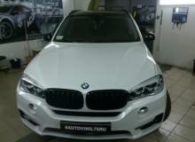 Клеим крышу в черный глянец на новеньком BMW X5 ! Исключительно качественно, а значит только с разбором! #AUTOVINIL76RU