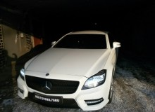 Оклейка решетки и низа бампера на Mercedes-Benz CLS 350 в черный мат